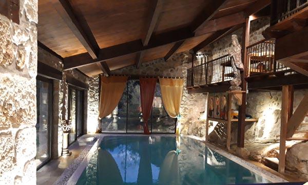 piscine int rieure chauff e sauna et terrasses ext rieures. Black Bedroom Furniture Sets. Home Design Ideas